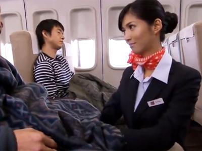 航空会社の新サービスとしてお客様の性処理を担当する淫乱CA