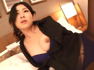 「大っきいの好き」人妻女教師とホテルで生々しいハメ撮り!
