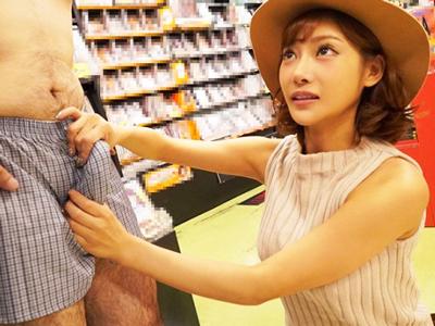 「エッチなことしちゃいますか?」明日花キララさんが自分のDVDを買ってくれた素人くんに完全奉仕!