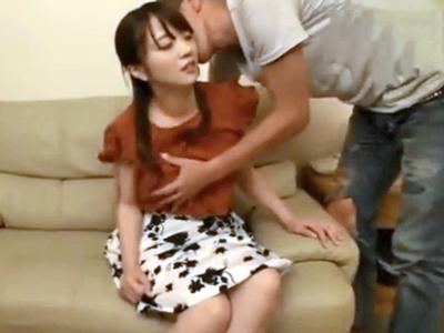 「奥に来てるぅ!」脱いだら巨乳な素人さんが膣奥抉る激ピス中出しにおっぱい揺らしてガチイキw