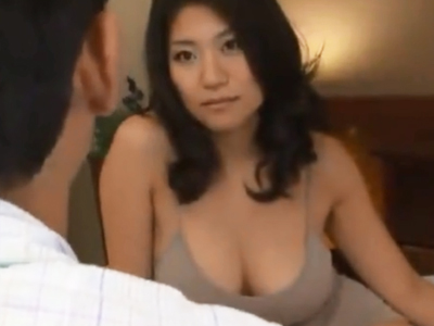 ムッチリ巨乳の淫乱妻が熟れきったマンコにザーメン注入されて思わずアヘイキ