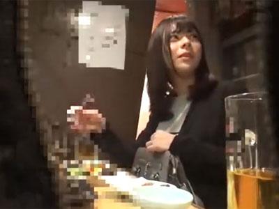 隠しカメラで撮影しながら口説いた美女を家に連れ込み中出しパコ
