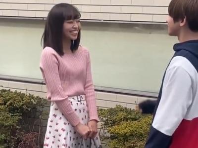 「き、緊張します…」岡副〇希アナに似てる素人さんに混浴させてタダマンGET