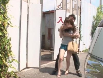 衝撃レイプの瞬間!ムチムチ巨乳のお姉さんを工事現場に連れ込んで鬼畜レイプ