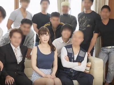 掃除→SEX→洗濯→SEX…夫と10人の息子達の性の相手をするお母さんの中出し生活