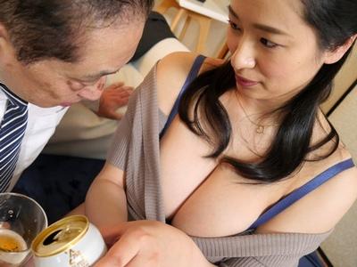 「ぁ、、、もっとして」ドM痴女妻の肉感ボディ!寝取られて卑猥に感じるKカップ妻