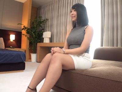 24歳のムッチムチ家庭教師さん!小~中〇生に教えている爆乳先生がAV出演w