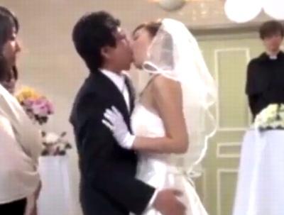 人生最高の日に最高の祝福を!結婚式最中に親族や来賓を交えた公開SEX