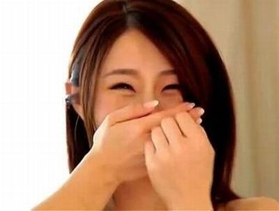 「ぁああ!気持ちぃの♡」日本を代表する人妻女優が他人棒に大しゅきホールドする卑猥な3P絡み!