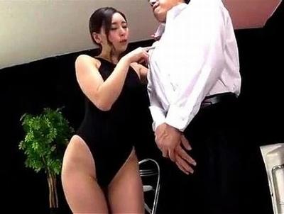 「すんごぃ…こんなになって♡」M男歓喜!カメラ目線で淫語しゃべりまくりな痴女のザーメン抜き!