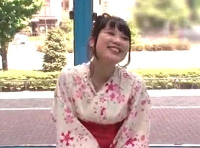浴衣のガチ美少女がMM号へ→彼氏ナシの素人さんが夏祭りの前に一発かまして赤面イキ