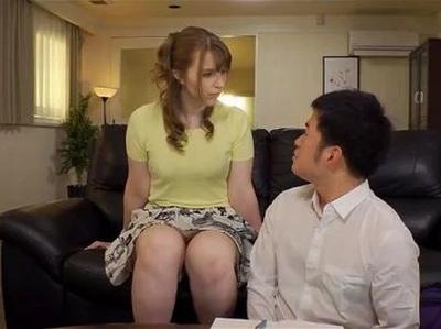 【素人キス】華奢でエロい美乳の素人OLの、キス羞恥プレイエロ動画。
