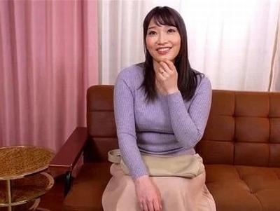 ムッチリ美人な若妻さんをナンパ→ブルマ・JK制服を着させてコスプレ不倫!
