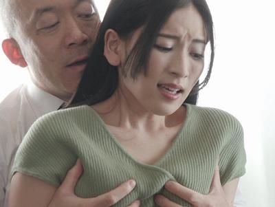 「だ、だめです…」ハゲてる夫上司に寝取られて…だんだんと堕ちていく美人妻